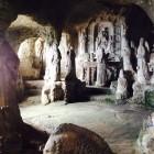 Grotten von Zungri Kala...