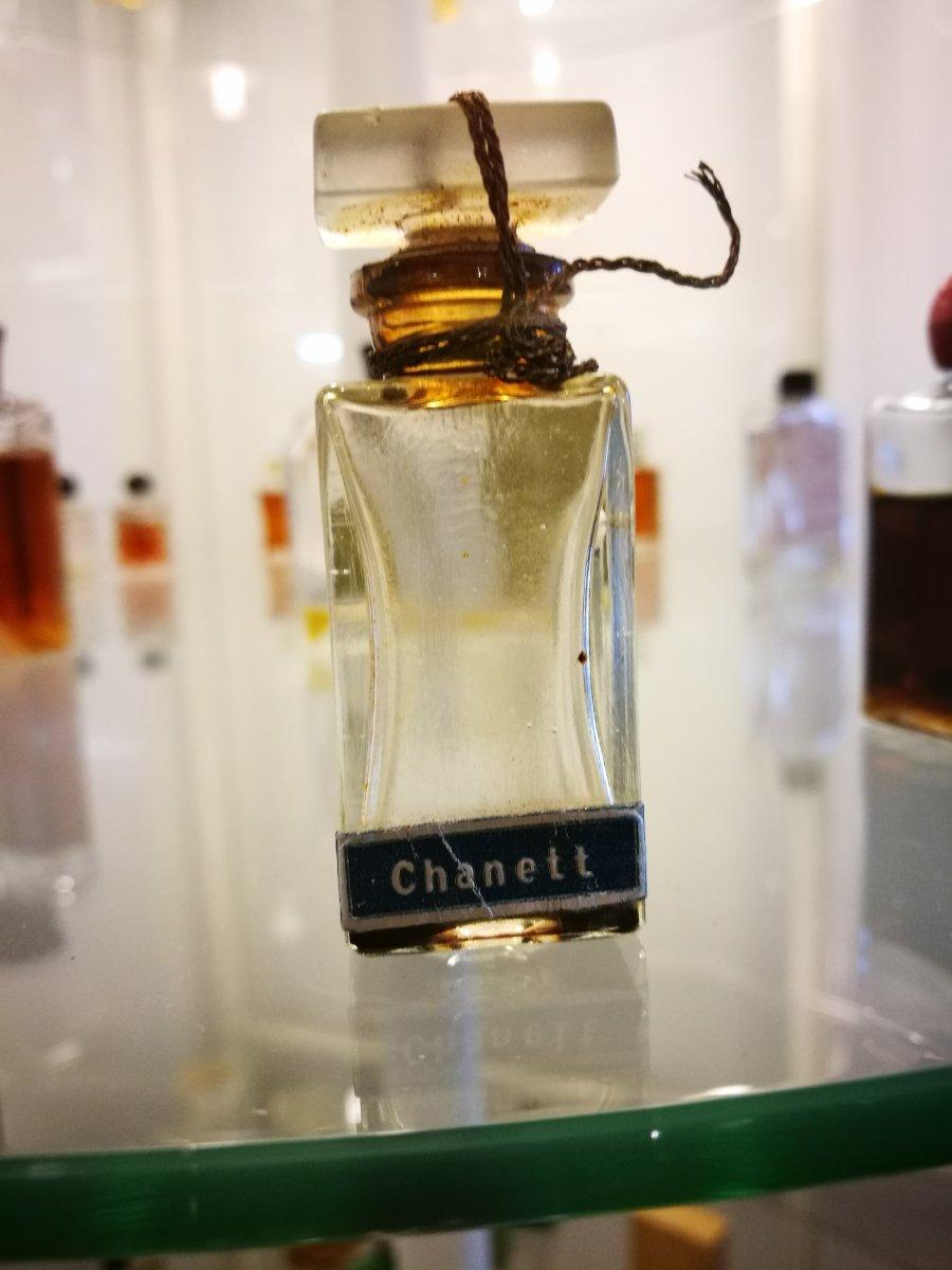 Chanett - nicht Chanel