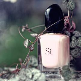 Sì (Fiori Eau de Parfum) - Giorgio Armani