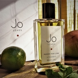 Mango Thai Lime / A Shot of Thai Lime over Mango von Jo Loves...