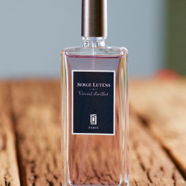 Vitriol d'Œillet by Serge Lutens