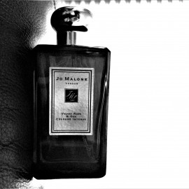 Velvet Rose & Oud (Cologne Intense) by Jo Malone
