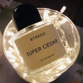 Super Cedar von Byredo