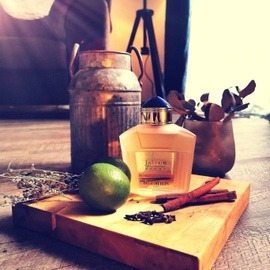 Midnight Oud (Eau de Parfum) - Ard Al Zaafaran / ارض الزعفران التجارية