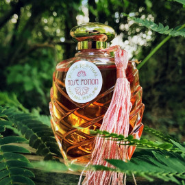 Rose Potion by Teone Reinthal Natural Perfume