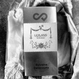 Lilylang von Sylvaine Delacourte