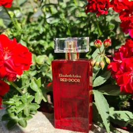 Red Door (Eau de Toilette) von Elizabeth Arden
