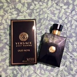 Versace pour Homme Oud Noir von Versace