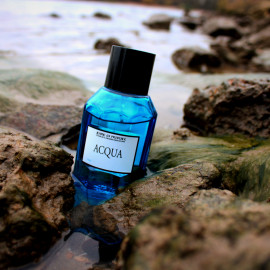 Acqua by Jeanne en Provence