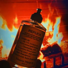 Replica - By the Fireplace von Maison Margiela