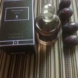 Boxeuses by Serge Lutens