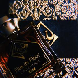 Flux de Fleur by Areej Le Doré