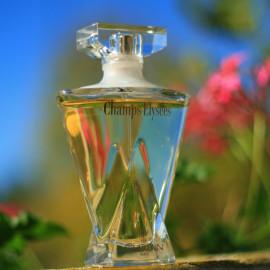 EdP 75 ml. Momentan mag ich den Duft sehr: frisch, spritzig und edel. Allerdings finde ich es komisch, daß der Flakon keine Bezeichnung