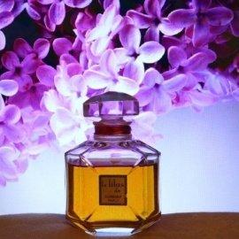 Das Original Extrait de Parfum von Corday im Original Baccarat Flakon. Es duftet himmlisch zart.