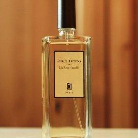 Un bois vanille by Serge Lutens