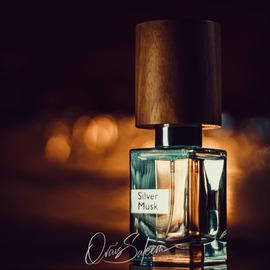 Silver Musk (Extrait de Parfum) by Nasomatto