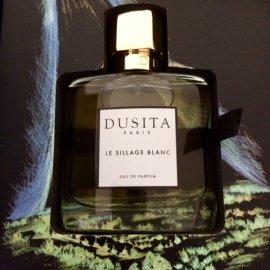 Le Sillage Blanc by Dusita