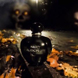... die Geister der Ahnen  - sie mahnen -  vor dem Gift  der Mitternacht  .. ;)) .. für Frehys Halloween-Gruselkabinett ......