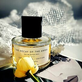The Decay of the Angel von Timothy Han Edition Perfumes