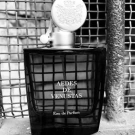 Aedes de Venustas by Aedes de Venustas