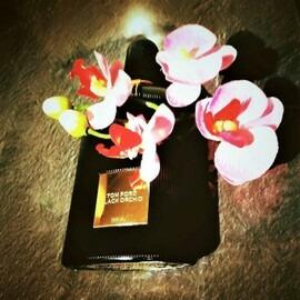 Black Orchid (Eau de Parfum) by Tom Ford
